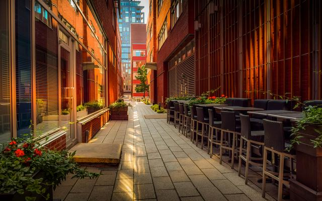 How to Enhance Your Restaurant's Exterior