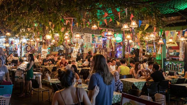 ¿Cómo hacer marketing de restaurante? | 24 ideas brillantes (2021)