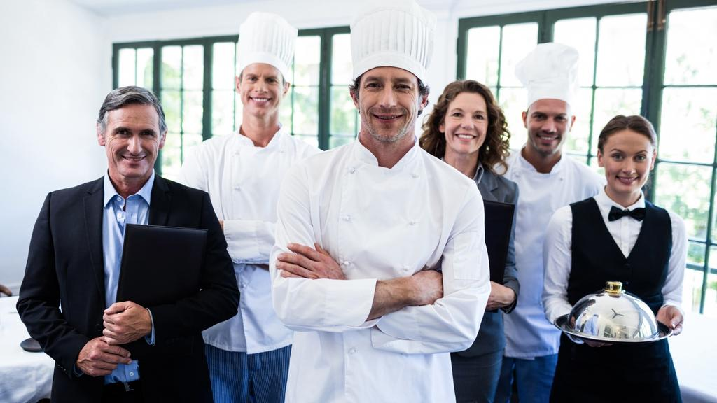 Complete List of Every Restaurant Staff [Roles + Responsibilities]