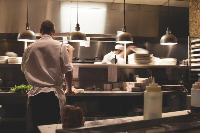 What Basic Set of Equipment Every New Restaurant Needs?